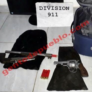 POLICIAS DEL 911 DETUVIERON A DOS SUJETOS QUE MALTRATABAN A UNA MUJER E INTENTABAN ROBARLE CON ARMAS DE FUEGO