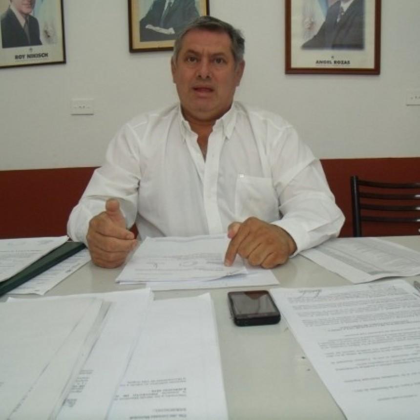 """FERNANDEZ: """"NACIÓN GIRÓ $80.000.000 PARA COMEDORES ESCOLARES, QUE AL PARECER SE LOS COMIÓ LA VACA"""""""