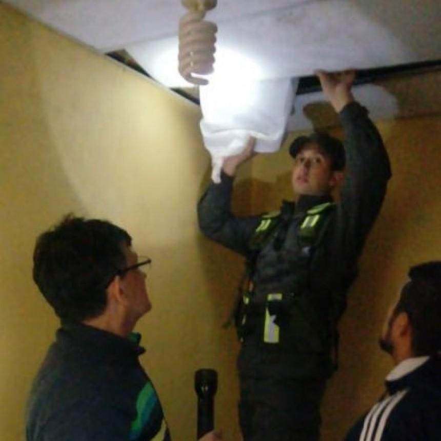 ENCONTRARON 3 MILLONES DE PESOS EN UNA CAJA FUERTE Y EN EL TECHO DEL DOMICILIO DE HEFFNER