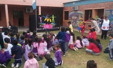 LOS NIÑOS DEL HOGAR DE NAZARET Y HOGAR NUMERO 3 FESTEJARON EL DIA DEL NIÑO