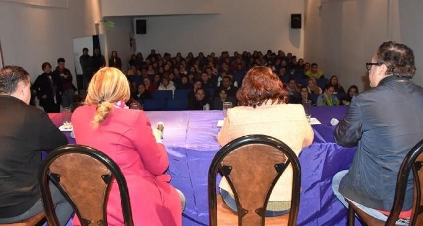 GRAN CONVOCATORIA EN EL LANZAMIENTO DEL POSTÍTULO DE LA DIPLOMATURA EN EVALUACIÓN EDUCATIVA EN VILLA ÁNGELA