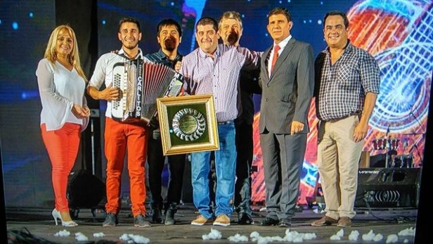 ADRIAN MONTES Y SU CONJUNTO REVELACIÓN DE LA FIESTA DEL CHÁMAME