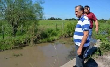 PAPP RECORRIÓ CANALES PARA SUPERVISAR EL ESCURRIMIENTO DEL AGUA