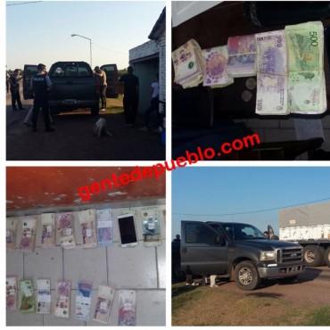DETIENEN A UNA PAREJA DE PARAGUAYOS CON MÁS $100.000 PRESUMIBLEMENTE DE LA VENTA DE DROGAS
