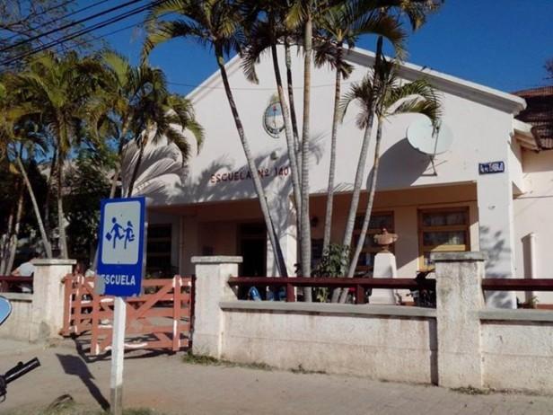 LA ESCUELA 140 ES EL CENTRO DE EVACUADOS QUE HABILITO EL MUNICIPIO DE VILLA ÁNGELA