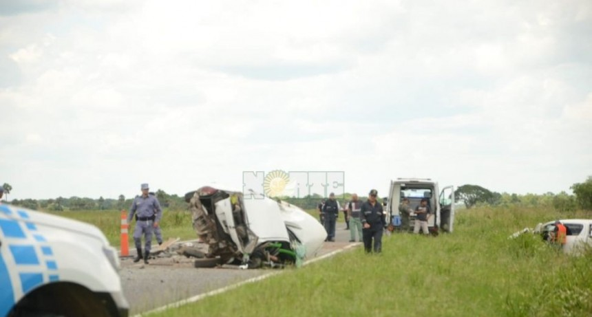OTRA VEZ LA RUTA 11: ACCIDENTE FATAL CERCA DE MARGARITA BELÉN ENTRE UN AUTO, UNA CAMIONETA Y UN CAMIÓN
