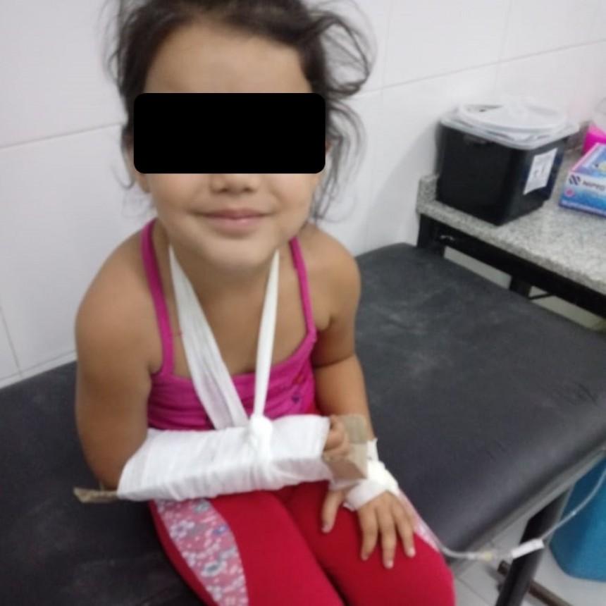 OTRA VEZ EL CARTÓN COMO FÉRULA EN EL HOSPITAL SALVADOR MAZZA