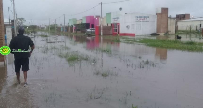 COMPLICADA SITUACIÓN DEL BARRIO TÚPAC AMARU QUE ESTÁ A LA VERA DE DOS CANALES DESAGUADORES IMPORTANTES