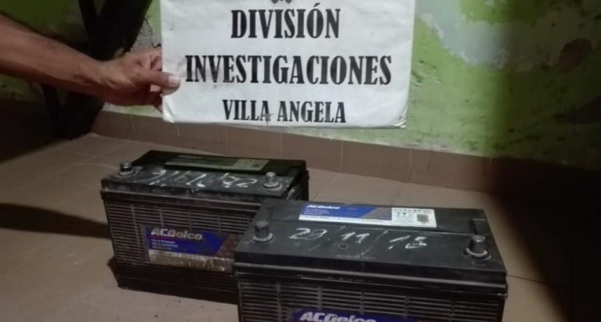 INVESTIGACIONES RECUPERO LAS BATERÍAS DE LA RETROEXCABADORA QUE LIMPIABA LOS CANALES EN VILLA ÁNGELA