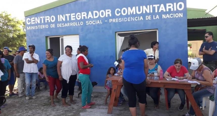 EL MUNICIPIO CONTINÚA BRINDANDO ASISTENCIA A FAMILIAS AFECTADAS POR LA INUNDACIÓN