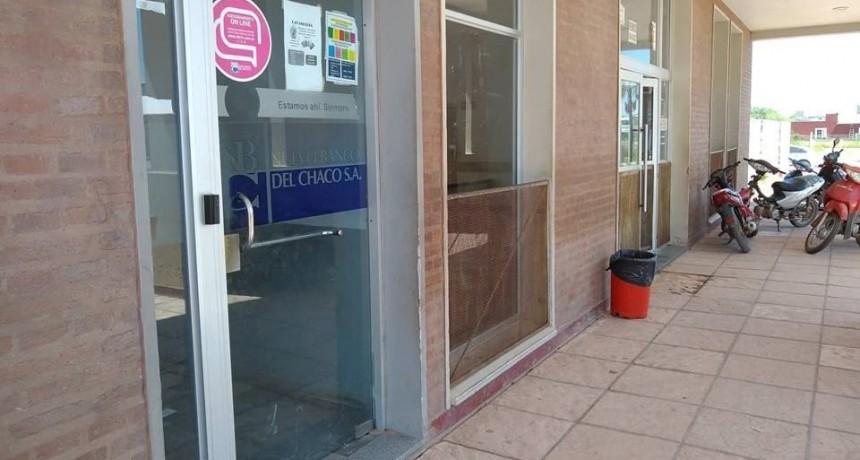 ROBARON MÁS DE 400 MIL PESOS DE UN CAJERO EN CASTELLI