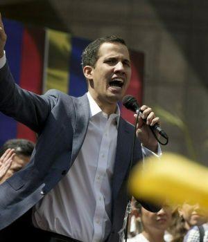 TENSIÓN EN VENEZUELA: GUAIDÓ SE AUTOPROCLAMÓ PRESIDENTE