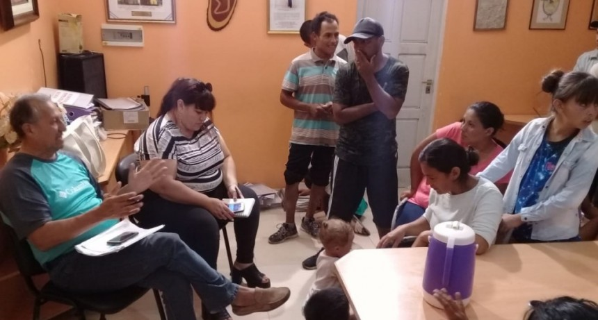 ADALBERTO PAPP DIALOGÓ CON LOS VECINOS DE LA QUINTA 10