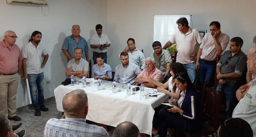 TITI PAPP, ACOMPAÑO AL GOBERNADOR EN LA PRESENTACIÓN DEL PLAN PARA REGULAR EL AGUA DEL SUDOESTE