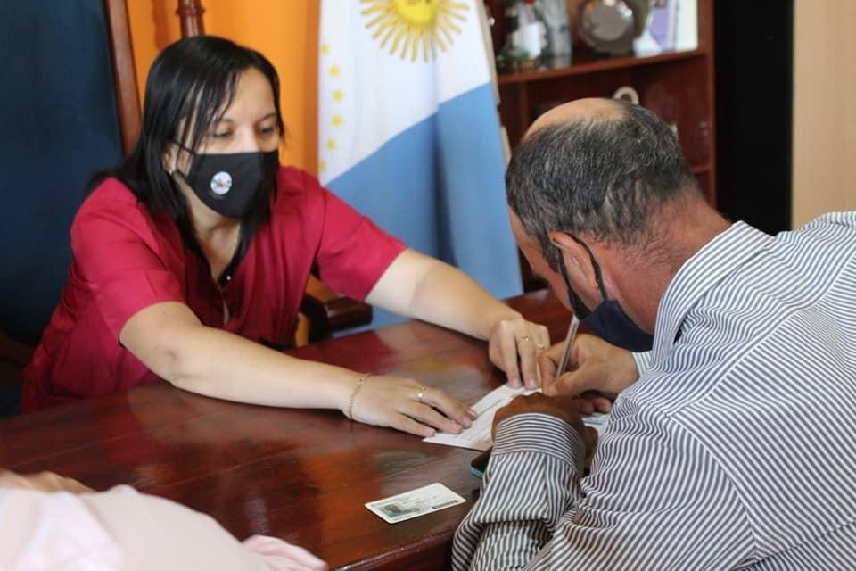 """URIEN: BENEFICIARIOS DEL PROGRAMA DE """"VIVIENDAS ADECUADAS"""" RECIBIERON LOS FONDOS"""