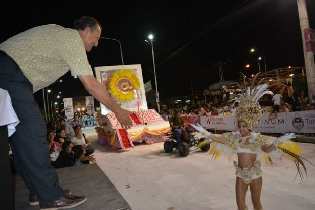 LOS NIÑOS LLENARON DE TERNURA Y ALEGRÍA LA PRIMERA NOCHE DE SÚPER CARNAVALES