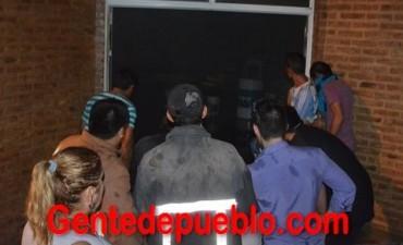 EXCELENTE TRABAJO EN CONJUNTO DE BOMBEROS DE POLICÍA Y VOLUNTARIOS