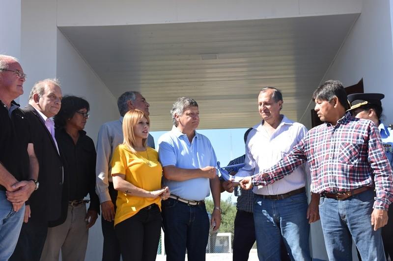 EL GOBERNADOR Y EL INTENDENTE INAUGURARON OBRAS ESTE FIN DE SEMANA EN VILLA ÁNGELA