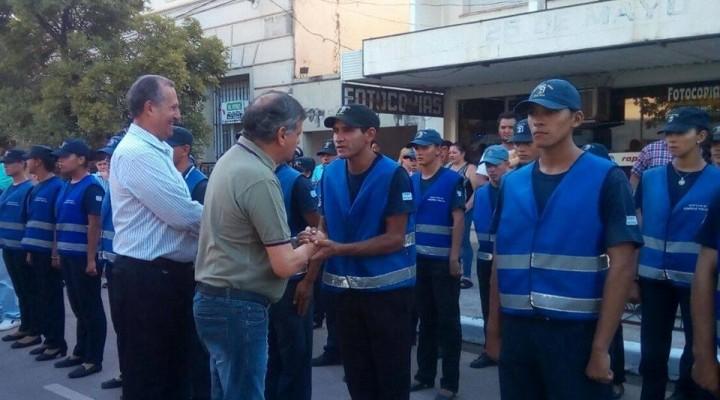 EL INTENDENTE ADALBERTO PAPP ACOMPAÑO AL GOBERNADOR DOMINGO PEPPO EN LA ENTREGA DE NUEVOS MÓVILES AL 911