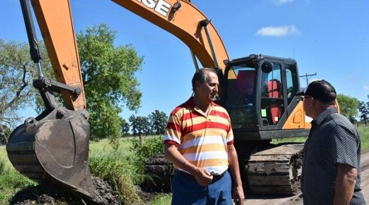 EL MUNICIPIO REALIZA LIMPIEZA COMPLETA DE CANALES