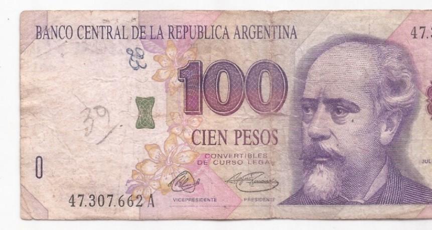 ES FALSO QUE LOS BILLETES DE $100 CON LA CARA DE ROCA SALDRÁN DE CIRCULACIÓN