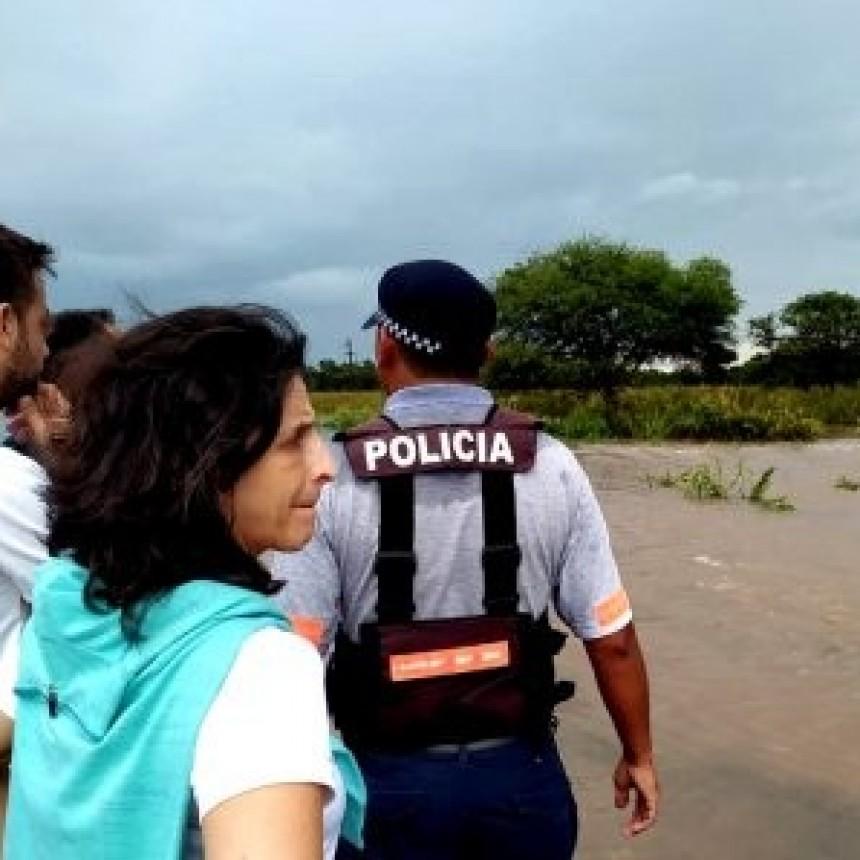 MINISTRA DE SEGURIDAD Y SUBJEFE DE POLICÍA RECORREN LAS LOCALIDADES AFECTADAS POR LA LLUVIA
