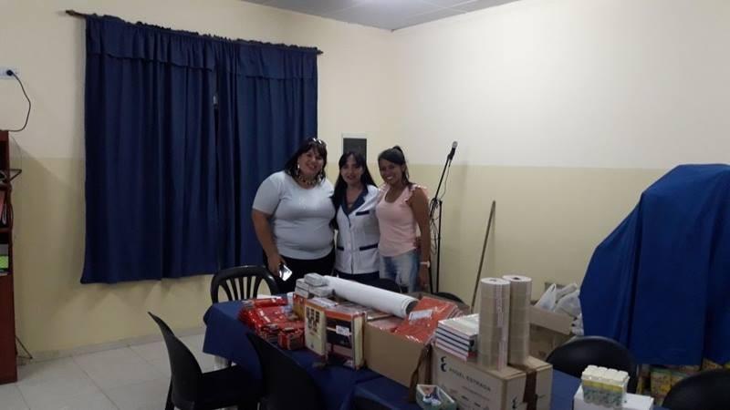 "EL MUNICIPIO A TRAVÉS DE DESARROLLO SOCIAL ENTREGÓ ÚTILES A LA E.P.G.S  N°13 ""PAPÁ FRANCISCO"""