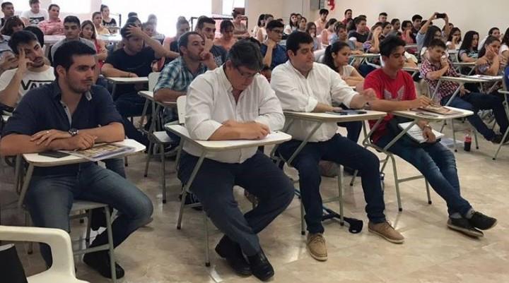 EL INTENDENTE ADALBERTO PAPP PARTICIPÓ DEL INICIO DE CLASES DE DERECHO DE LA UNNE EN VILLA ÁNGELA