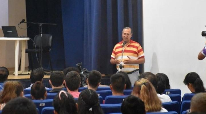 """ADALBERTO PAPP: """"LA EDUCACIÓN ES LA MAYOR VIRTUD QUE PUEDE TENER UN PUEBLO"""""""