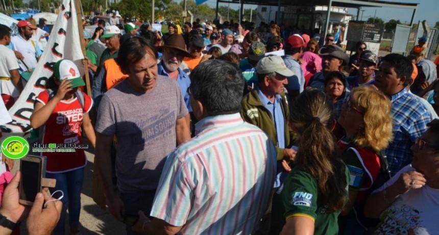 VILLA ÁNGELA: SE ENTREGÓ UN PETITORIO A LA GERENCIA LOCAL DE SECHEEP