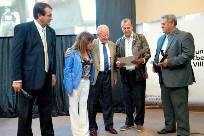 PAPP ENTREGÓ UN RECONOCIMIENTO Y LA LLAVE DE LA CIUDAD AL DR. ALBINO