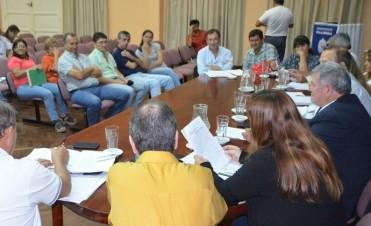 POR UNANIMIDAD EL CONCEJO MUNICIPAL APROBÓ AL EJECUTIVO LA COMPRA DIRECTA DE MAQUINARIA