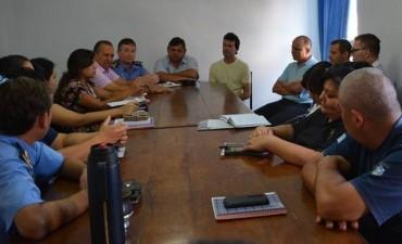EL MUNICIPIO Y POLICÍA COORDINAN CONTROLES EN SALIDAS DE LOCALES BAILABLES