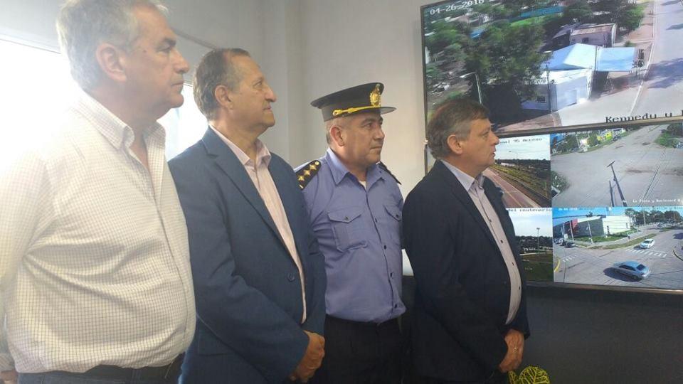 EL INTENDENTE PAPP INAUGURÓ JUNTO AL GOBERNADOR DE LA PROVINCIA LA OFICINA 911 DE VILLA ÁNGELA