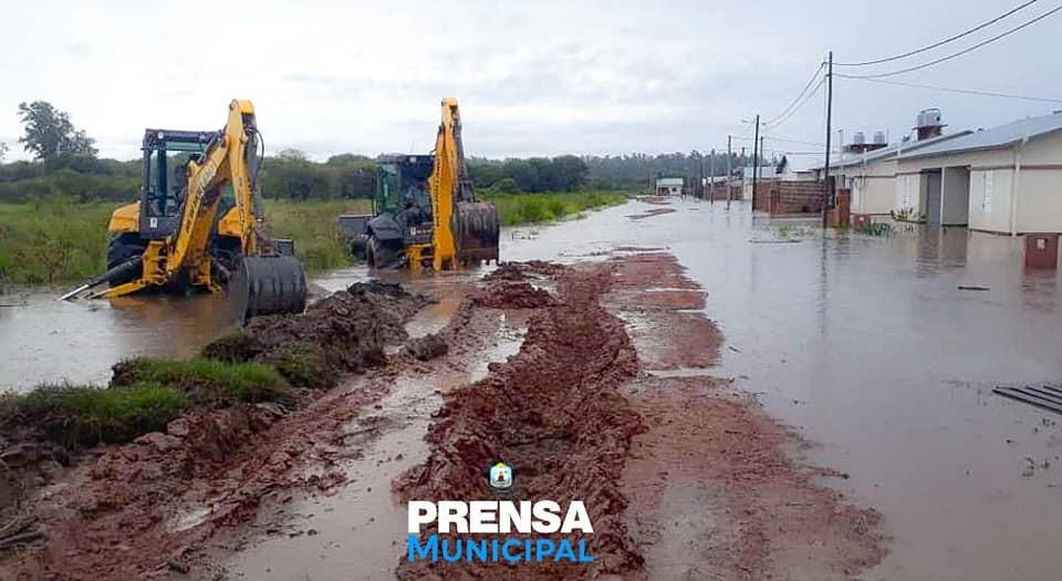 LOS EQUIPOS CONTINÚAN EN PLENA ACTIVIDAD EN LA EMERGENCIA HÍDRICA