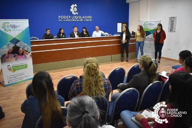 INAUGURAN CURSO DE LENGUA DE SEÑAS AÑO 2019 EN EL PODER LEGISLATIVO CHAQUEÑO