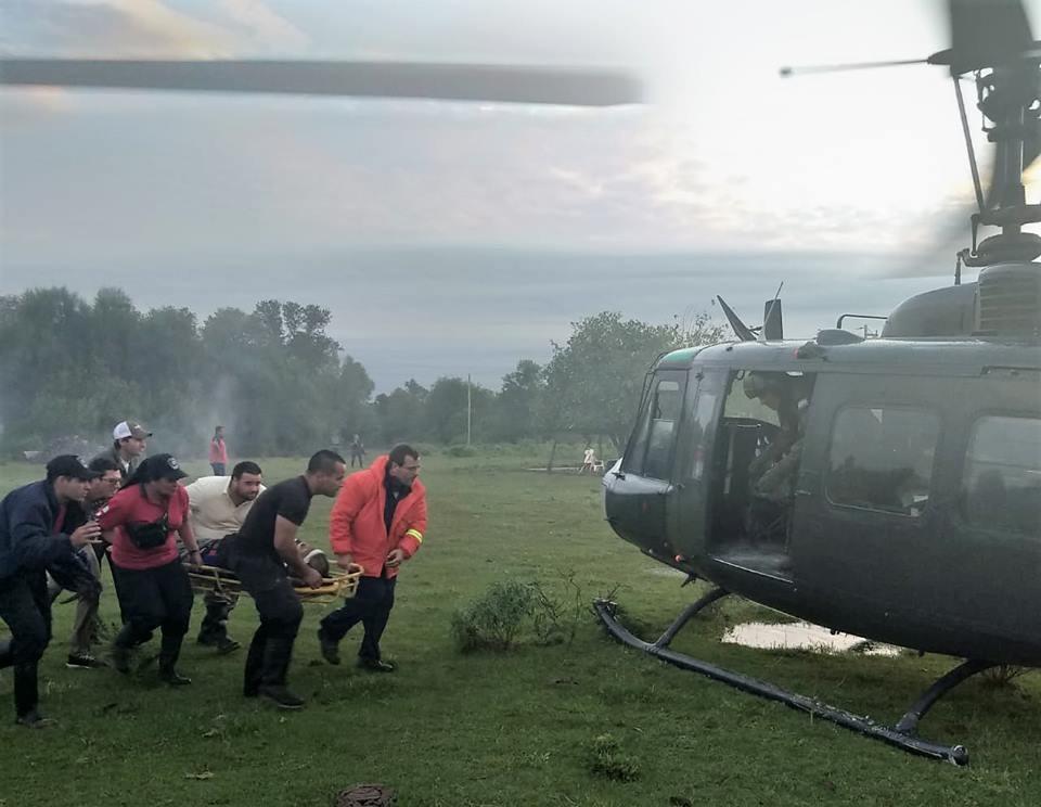 EL EJERCITO ARGENTINO REALIZA RESCATES AÉREOS EN CHACO