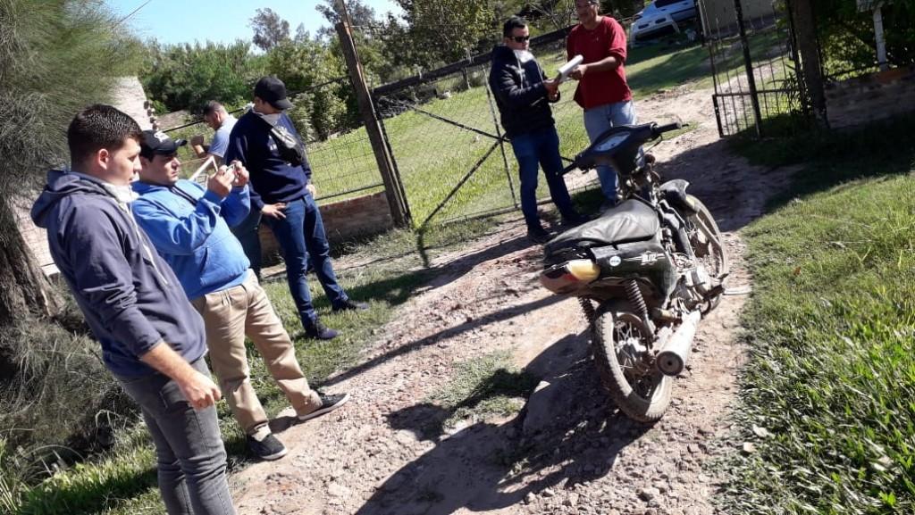 PERSONAL DE INVESTIGACIONES LOGRO RECUPERAR UNA MOTOCICLETA SUSTRAIDA EN HORAS DE LA NOCHE