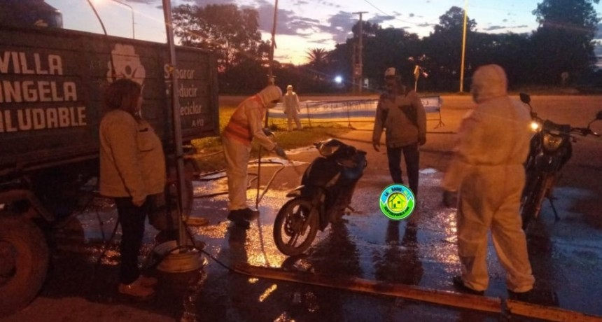 BOMBEROS VOLUNTARIOS SE SUMA A LOS TRABAJOS DE DESINFECCIÓN EN LOS ACCESOS