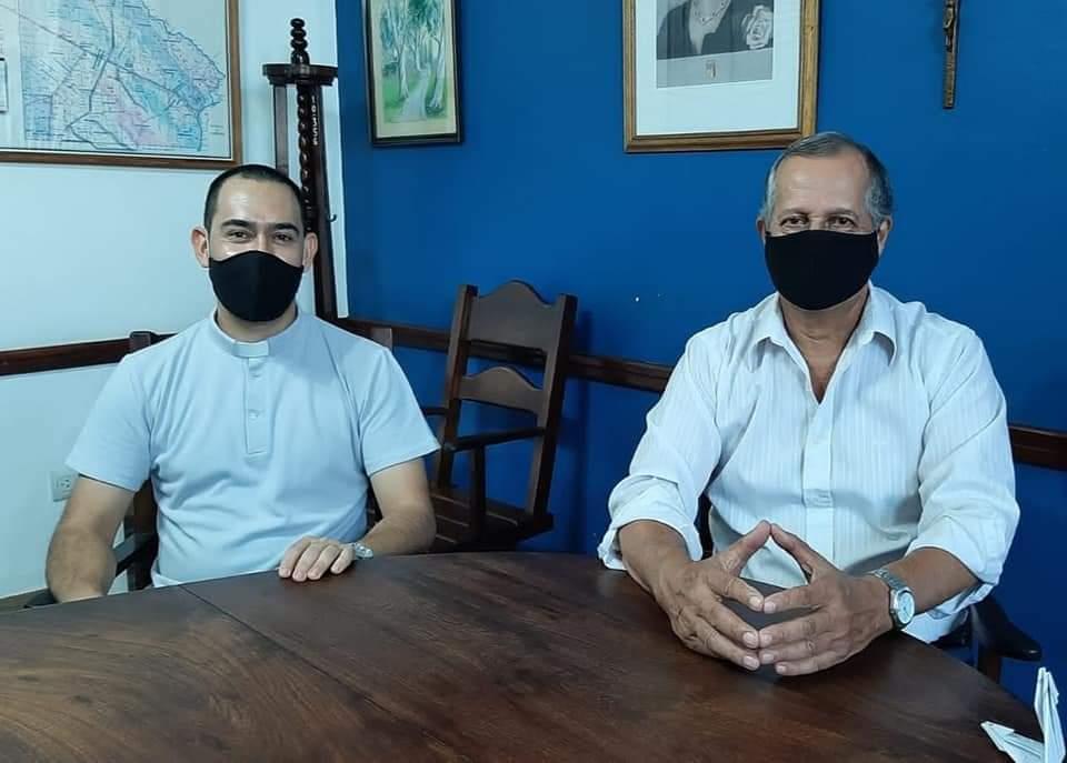 EL INTENDENTE PAPP RECIBIÓ A JORGE CARDOZO QUIEN SE ORDENARÁ COMO SACERDOTE EN VILLA ÁNGELA