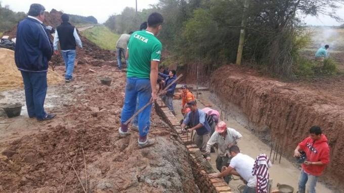 CONSTRUCCIONES ACONCAGUA TRABAJA PARA QUE EL AGUA SE PUEDA ESCURRIR MAS RÁPIDO