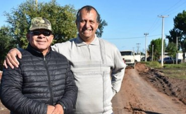 PAPP SUPERVISÓ EL TRABAJO DE SERVICIOS PÚBLICOS EN EL ACCESO AL BARRIO 50 VIVIENDAS