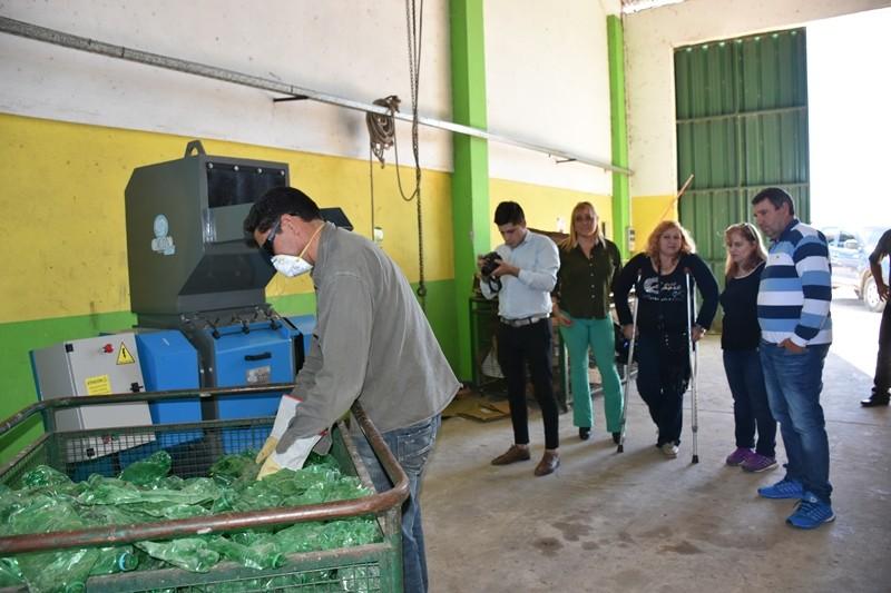 EL MUNICIPIO PUSO EN FUNCIONAMIENTO LA MOLEDORA DE PLÁSTICO DE LA PLANTA RECICLADORA DE RESIDUOS DE VILLA ÁNGELA