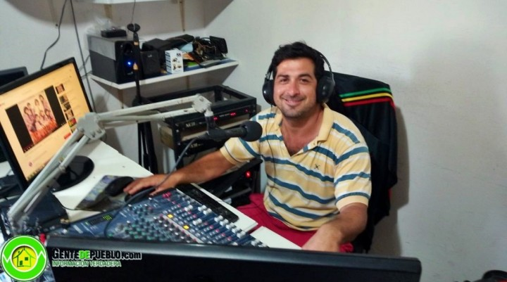 """SILVIO NAVARRO LLEGA A LAS TARDES DE LA 21 RADIO CON """"LA ROCKA VIVA"""""""