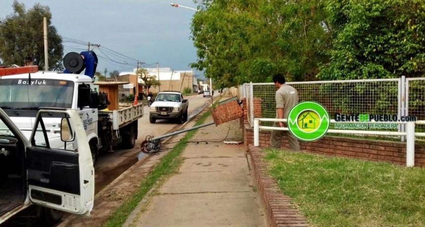 SECHEEP TRABAJO EN LA REPARACIÓN DE LA ENERGÍA PARA LA ESCUELA Y LOS VECINOS