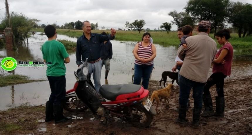 ADALBETO PAPP, RECORRIÓ LOS BARRIOS Y VERIFICO EL BUEN ESCURRIMIENTO DE LAS AGUAS