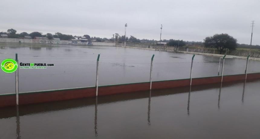 LA CANCHA DEL CLUB AVENIDA BAJO AGUA