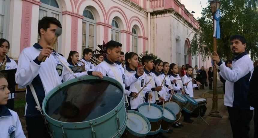 LA BANDA DE MUSICA MUNICIPAL CUMPLIO 42 AÑOS DE VIDA