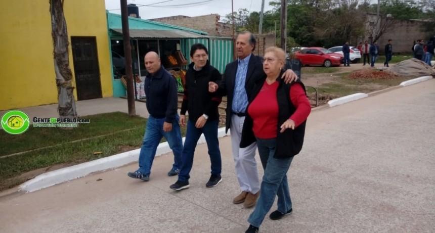 """""""HACE 54 AÑOS QUE ESTAMOS ESPERANDO EL ASFALTO EN ESTA CALLE"""""""
