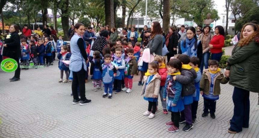JARDINERITOS REALIZARON UNA VISITA AL CENTRO DE LA CIUDAD